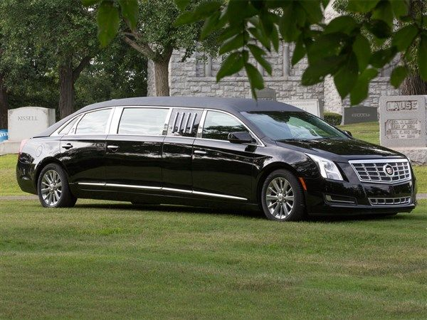 2017 S&S Cadillac XTS 70in Six-Door Limousine full