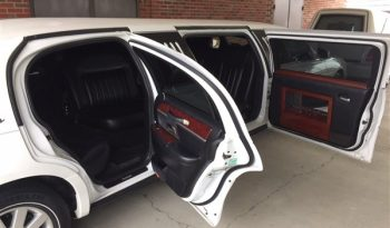 SOLD – 2005 Lincoln DaBryan 85″ VIP Limousine full