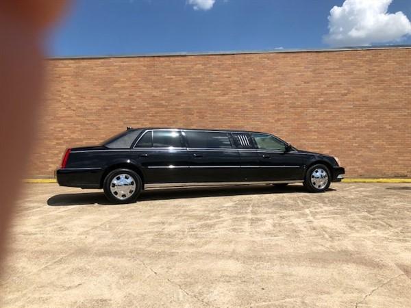 2009 Cadillac Eagle Limousine full